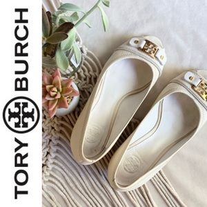 Tory Burch wedges low peep toe white gold 9